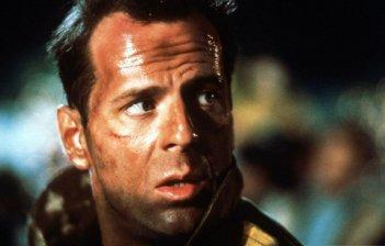 Trappola di cristallo (Die Hard, 1988) - Bruce Willis in una sequenza