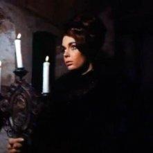 Barbara Steele in una scena del film Lo spettro di Riccardo Freda
