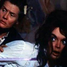 Harriet Medin con Barbara Steele in una scena del film Lo spettro