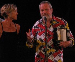 Terry Gilliam sul palco del Teatro Romano ritira il Premio Fiesole