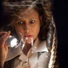 Vera Farmiga in un intenso momento de L'Evocazione - The Conjuring