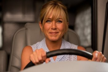 Come ti spaccio la famiglia: Jennifer Aniston al volante