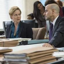 The Fifth Estate: Laura Linney e Stanley Tucci in una immagine del film