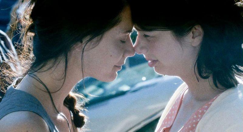 Gabrielle: Gabrielle Marion-Rivard in una scena del film con Mélissa Désormeaux-Poulin