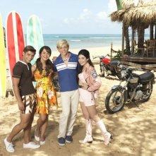 Teen Beach Movie: gli interpreti Ross Lynch, Maia Mitchell, Grace Phipps e Garrett Clayton in una foto promozionale