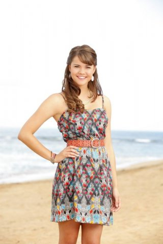 Teen Beach Movie: Maia Mitchell è McKenzie in una foto promozionale