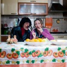Fiabeschi torna a casa: il regista e protagonista del film Max Mazzotta in una foto promozionale con Lunetta Savino