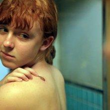 Foxfire - Ragazze cattive: Katie Coseni guarda con orgoglio il tatuaggio delle 'Foxfire'