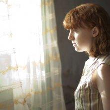Foxfire - Ragazze cattive: Katie Coseni pensierosa in una scena nel ruolo di Maddy