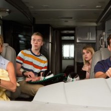 Come ti spaccio la famiglia: Jennifer Aniston, Emma Roberts, Will Poulter e Jason Sudeikis in un momento del film