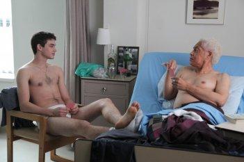 Gerontophilia: Walter Borden e Pier Gabriel Lajoie in una scena del film