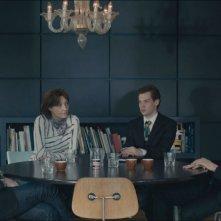 Exhibition: Liam Gillick con Viv Albertine e Tom Hiddleston in una scena tratta dal film