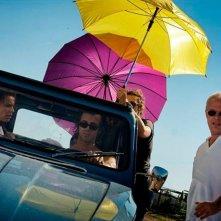 Anni felici: il regista Daniele Luchetti insieme a Kim Rossi Stuart e Micaela Ramazzotti sul set