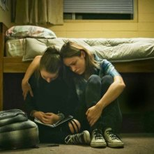 Short Term 12: Brie Larson in una scena del film con Kaitlyn Dever