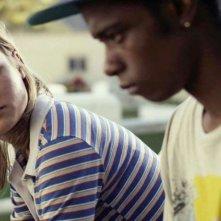 Short Term 12: Brie Larson in una scena del film con Keith Stanfield