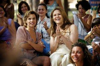 Anni felici: Micaela Ramazzotti e Martina Gedeck in una scena