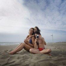 Anni felici: Micaela Ramazzotti mamma felice in una tenera scena del film