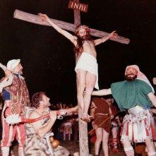 La passione di Erto: una scena del documentario sulla Passione di Cristo di Erto, paesino delle Alpi friulane vicino alla diga del Vajont