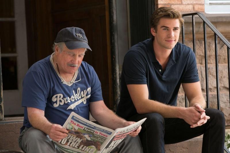 Liam Hemsworth Con Richard Dreyfuss Nel Film Il Potere Dei Soldi 282335