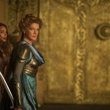 Thor: The Dark World, Rene Russo e Natalie Portman in una scena del film