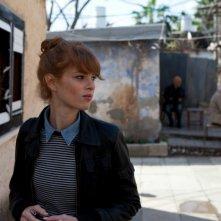 Ana Arabia: la protagonista Yuval Scharf in una scena