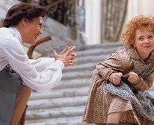 Aileen Quinn in una scena del film Annie
