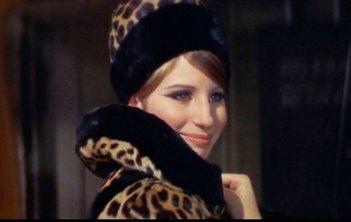 Barbra Streisand in una scena del film Funny Girl
