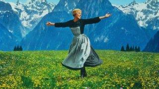 Julie Andrews in una scena del film Tutti insieme appassionatamente