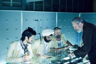 The Zero Theorem: il regista Terry Gilliam sul set del film con Ben Whishaw, Peter Stormare e Sanjeev Bhaskar