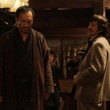 Unforgiven: Ken Watanabe in azione in una scena del film insieme a Kôichi Satô