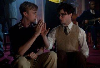 Dane DeHaan insieme a Daniel Radcliffe in Kill Your Darlings