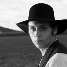 Die andere Heimat: Jan Schneider in una scena in bianco e nero tratta dal film