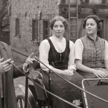 Die andere Heimat: Maximilian Scheidt con Antonia Bill e Philine Lembeck