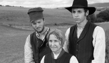 Die andere Heimat: Maximilian Scheidt, Marita Breuer e Jan Schneider in una scena in bianco e nero tratta dal film