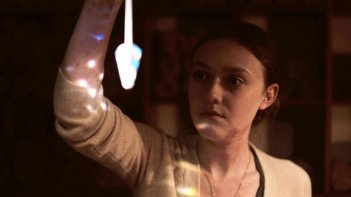 Night Moves: Dakota Fanning in una scena