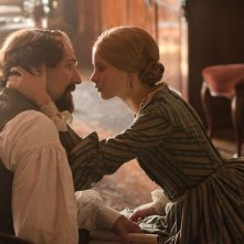 Ralph Fiennes e Felicity Jones nellaprima immagine ufficiale di The Invisible Woman