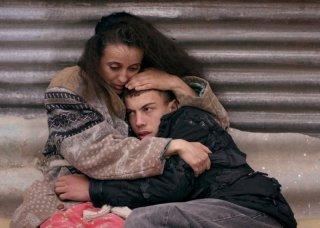 The Rooftops: Amal Kateb in una scena tratta dal film di Merzak Allouache