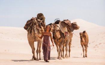Tracks: Mia Wasikowska in una scena