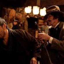 Unforgiven: Ken Watanabe in azione in una scena con Kôichi Satô