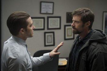 Prisoners: Jake Gyllenhaal e Hugh Jackman si confrontano in una scena del film