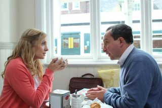 Still Life: Joanne Froggatt insieme a Eddie Marsan in una scena