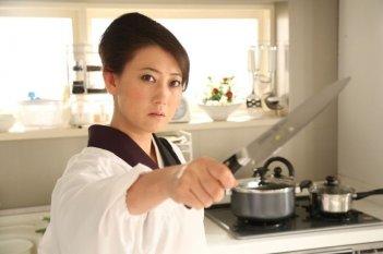 Why Don't You Play in Hell?: Tomochika in una scena d'azione del film