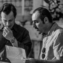 L'arbitro: il regista del film Paolo Zucca sul set con Stefano Accorsi