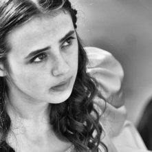Venezia Salva: Roxana Kenjeva in una scena in b/n nei panni di Violetta