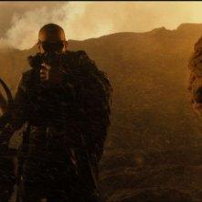 Vin Diesel, protagonista di Riddick, in una scena
