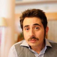 3 Many Weddings: Berto Romero in una scena