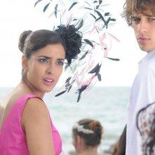 3 Many Weddings: Inma Cuesta in una buffa scena del film insieme a Martín Rivas