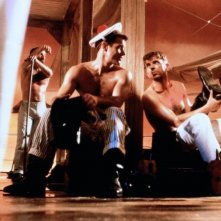 Dieter Schidor e Brad Davis in Querelle di R.W. Fassbinder