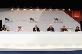 Venezia 2013: Bernardo Bertolucci, Paul Schrader, Alberto Barbera e Paolo Baratta alla conferenza delle giurie