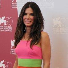 Venezia 2013: una coloratissima Sandra Bullock è la star di Gravity